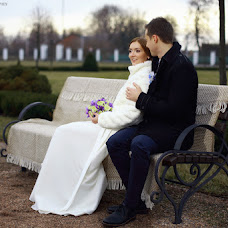 Wedding photographer Aleksandr Vikhnich (vikhnich). Photo of 17.02.2016