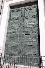 Photo: La porte d'entée du Duomo (cathédrale)