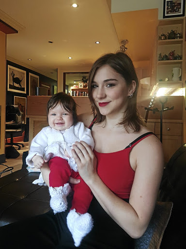 Mikhaila Jordan and her daughter, Scarlett. Jordan ate LCHF throughout her pregnancy. She now eats about 1.5kg of meat a day and drinks lots of water. Picture: SUPPLIED