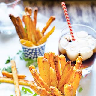 Crunchy Garlic Cheese Straws