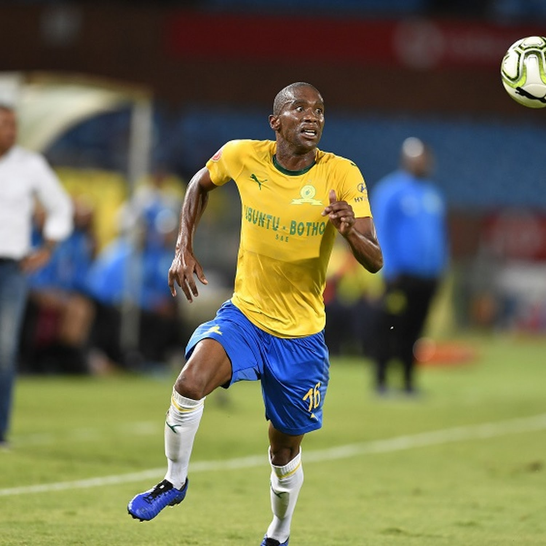 Former Bafana Bafana Defender Anele Ngcongca 33 Dies In Kzn Car Crash