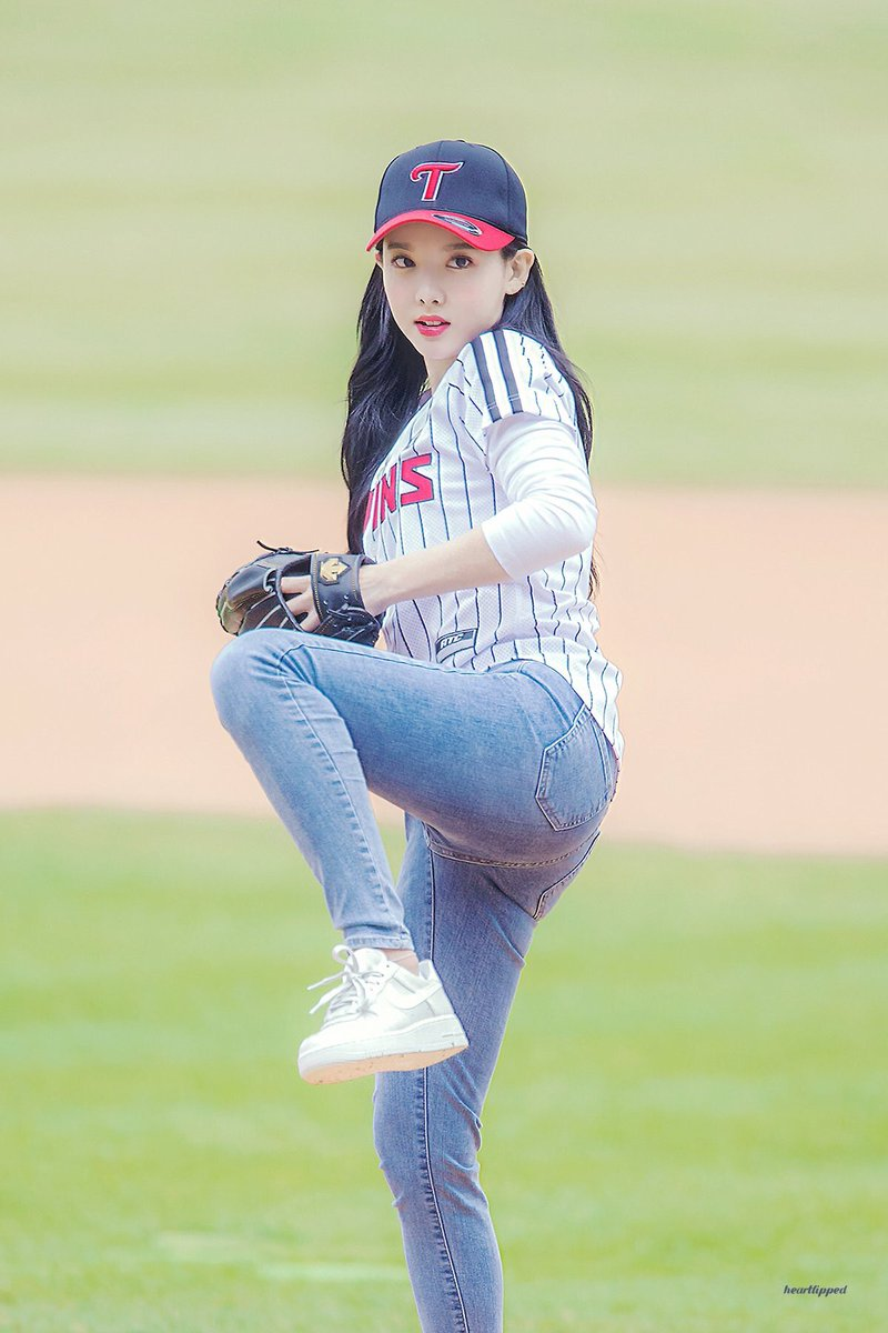 femaleidolsbaseball_1a