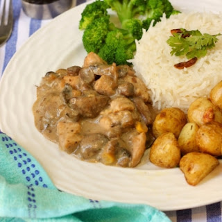 Lemon Chicken Cooked in Creamy Mushroom Sauce Served With Steamed Broccoli, Roasted New Potatoes and Rice​.