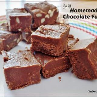 Easy Homemade Chocolate Fudge
