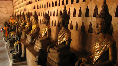 Photo: Collection of Buddha images (Wat Si Saket, Vientiane)