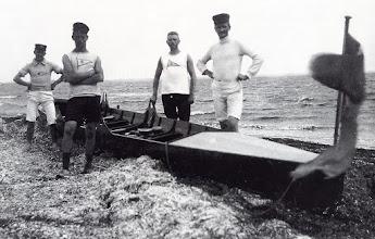 Photo: 1910 Odense-roere på langtur, måske Fyn Rundt.