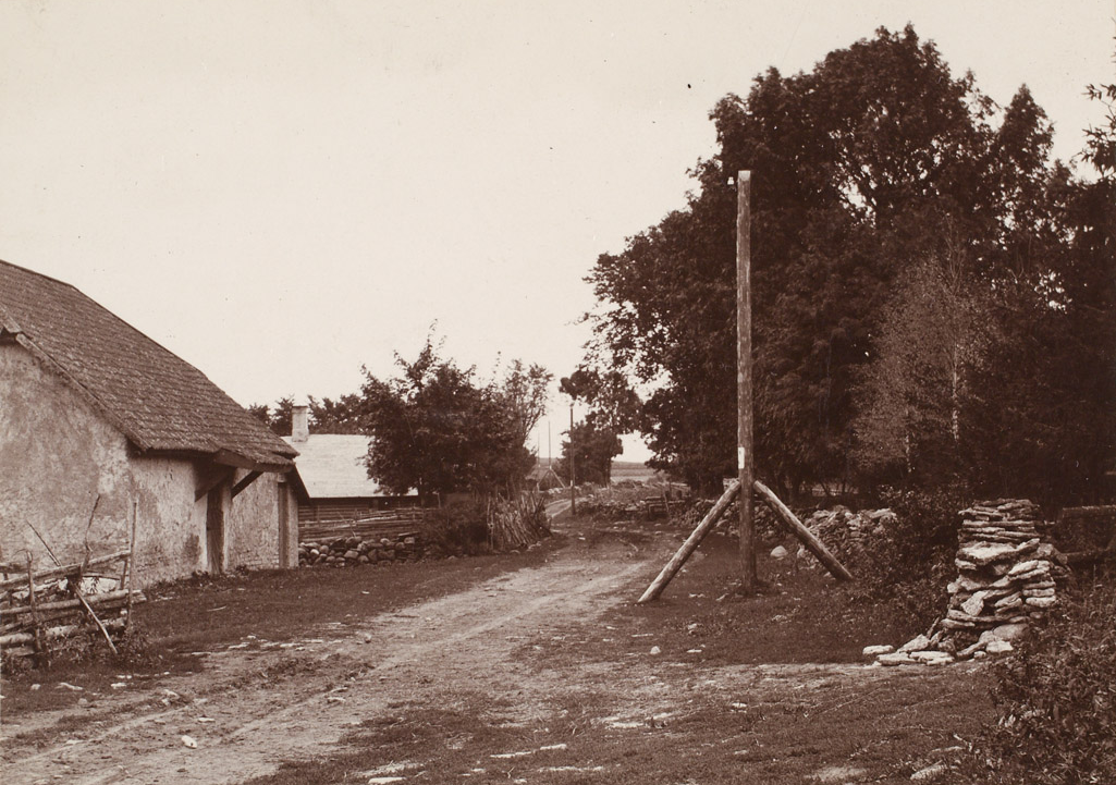 A vintage photo of a houseDescription automatically generated