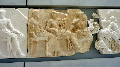 Photo: The cast copies - in white - are of the pieces in museums abroad, such as the British Museum and the Louvre