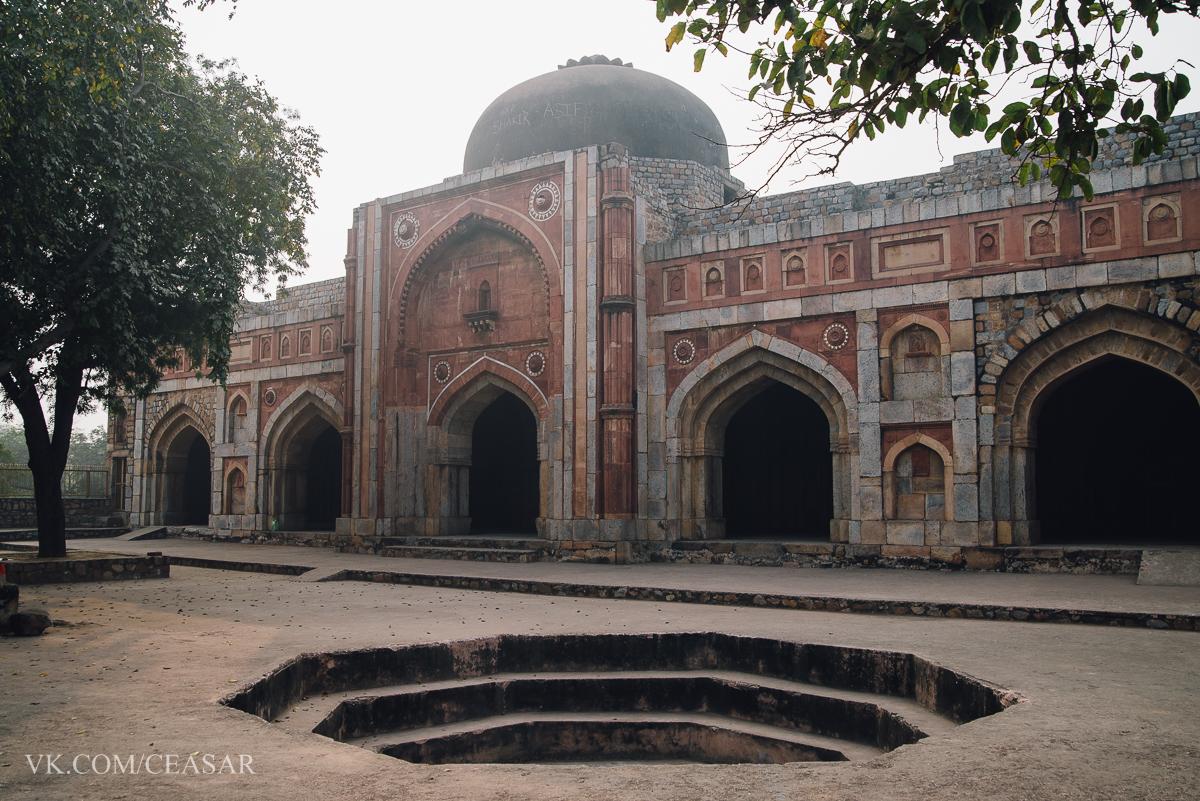 Tomb of Balban, Дели
