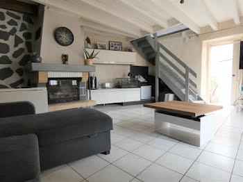maison à La Roche-Noire (63)