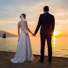Wedding photographer Sergey Titov (Titov). Photo of 02.05.2015