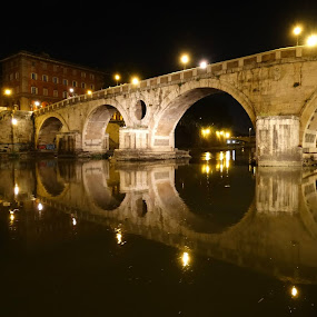 Ponte Sisto. Roma by Juan Tomas Alvarez Minobis - Buildings & Architecture Bridges & Suspended Structures