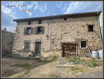 maison à Auriac-l'Eglise (15)