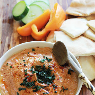 Best Roasted Red Pepper Hummus