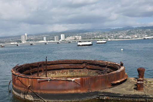 pearl-harbor6.jpg - Looking down into the actual  wreckage of the USS Arizona.