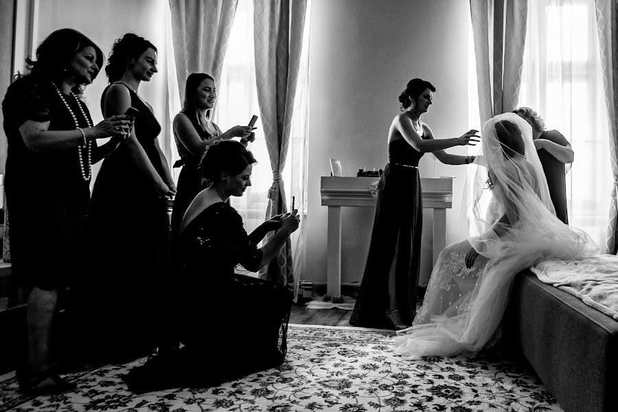 Wedding photographer Sabina Mladin (sabina). Photo of 12.12.2018