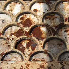Rusty Pattern by Gwen Paton - Abstract Patterns ( rust, pattern, semicircles,  )