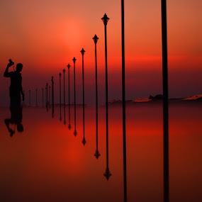 silhouette , camera , pillars , places , sunset  by Anvar Sadath - Landscapes Travel