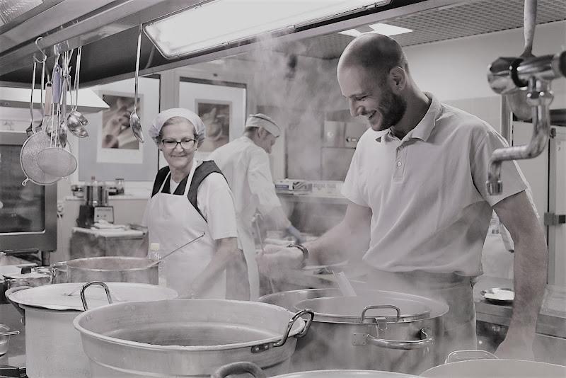 Happy cooks di adimar