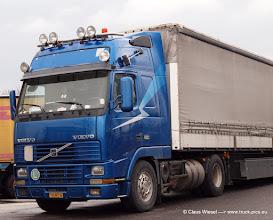 Photo: VOLVO aus Griechenland  ---> www.truck-pics.eu