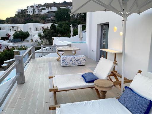 Review: Katikies Mykonos Hotel