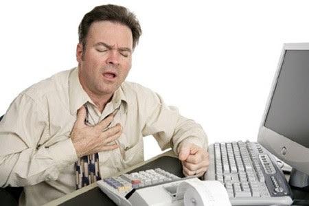 Triệu chứng của bệnh tụt huyết áp: tim đập nhanh, choáng, khó thở