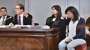 Quezada llora durante el alegato de Esteban Hernádez Thiel