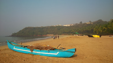 Photo: Bogmalo beach (https://maps.google.co.jp/maps?q=bogmalo+beach+in+goa&ie=UTF-8&hq=&hnear=0x3bbfb801f0ce701f:0xb01261a095e50f6f,Bogmalo,+Goa,+India&gl=jp&ei=BNL0Urv4JYSUkwWq14HQBw&ved=0CNgBELYD) is located just backside of Goa's Dabolim Airport thus far (20-30km) away from the usual tourist centers such as Panaji, Anjuna and Calangute. While there are no many typical Goa-style attractions around here, we can enjoy relatively peaceful beaches. 7th February updated -http://jp.asksiddhi.in/daily_detail.php?id=447