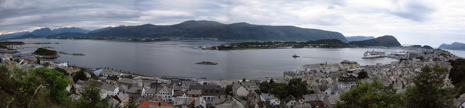 Photo: Alesund from the Fjellstua observation point