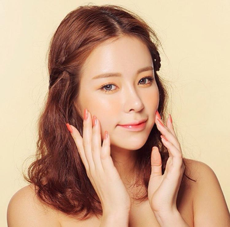2. ดูแลผิวแบบสาวเกาหลี ด้วยการนวดหน้า