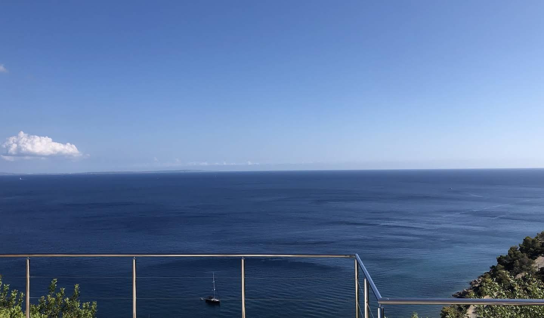 Villa avec piscine en bord de mer Ibiza