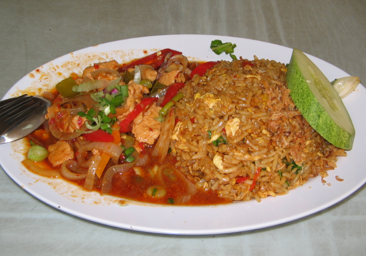 Perkhidmatan Penghantaran Makanan Terbaik di Malaysia