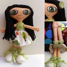 Photo: Boneca leda #5 Muñeca de fieltro cosida enteramente a mano, pelo de lana, cara pintada con pintura de tela. Numeradas y con certificado de adopción, no hay dos iguales. Semi personalizable.