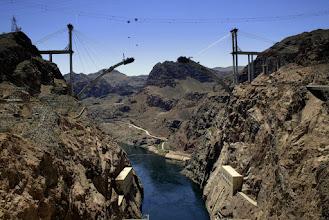 Photo: I most w trakcie budowy.