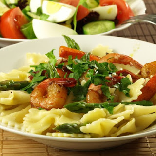 Bowtie Pasta With Shrimp and Asparagus.