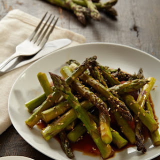 Sesame Asparagus with Ginger and Garlic