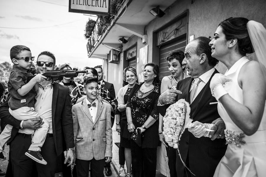 Wedding photographer Giuseppe Genovese (giuseppegenoves). Photo of 17.01.2018