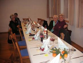 Photo: Links vorne  Irene Koch und   Annarösli  Stalder rechts  Dora Wagner und  Ehrenmitglied Kläri Wolfsberger
