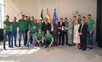 Visita de Unicaja Almería al presidente de Junta
