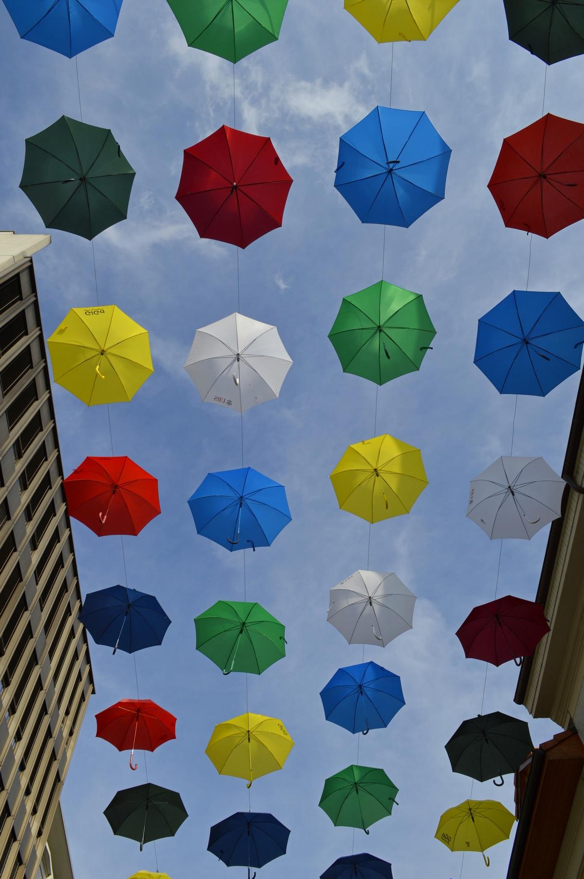 cielo di ombrelli di Carmelo Baglivo
