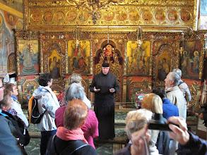 Photo: Rou1P43-151005échange final avec SoeurTatiana, sanctuaire monastère Moldovita IMG_9270