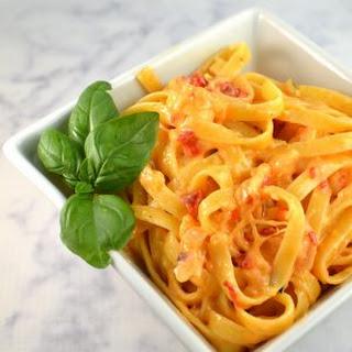 Roasted Red Pepper Fettuccine Alfredo