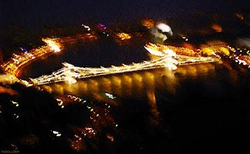 Photo: Most Łańcuchowy - zabawa ze światłem (52 płomienie)