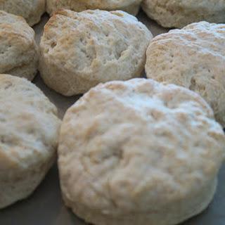 Southern Buttermilk Biscuits! (Bob Evans CopyCat)