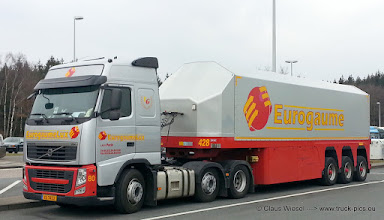Photo: 3-achser VOLVO  ---> www.truck-pics.eu