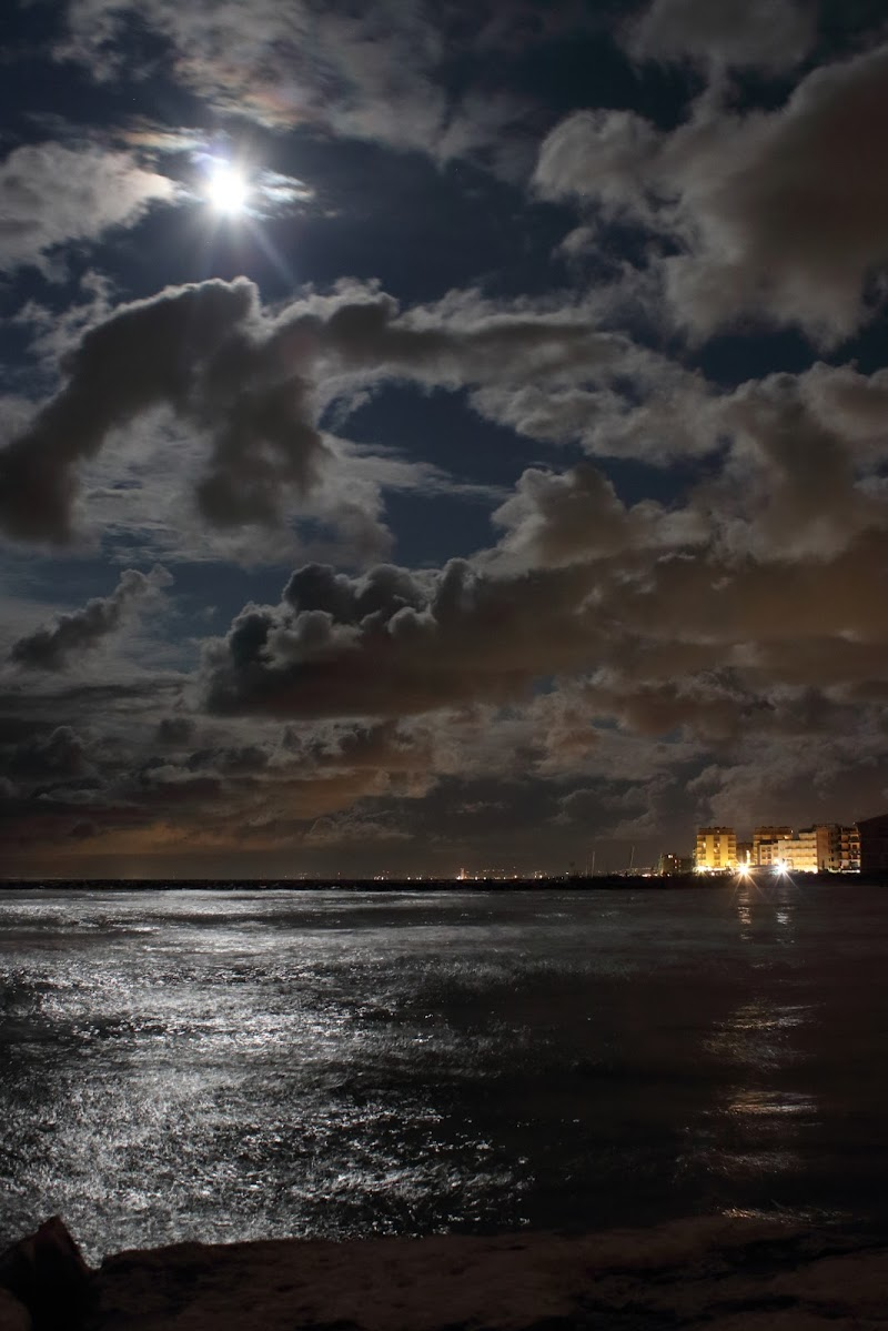 raggi di luna di roberto_rusticali