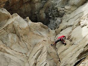 Photo: 難度約有5.10吧 最後一步有點銼 怕搬掉落石砸到下方的人