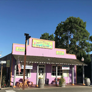 Mel's Mocha Walnut Grove California | Krys Kolumbus Travel Blog