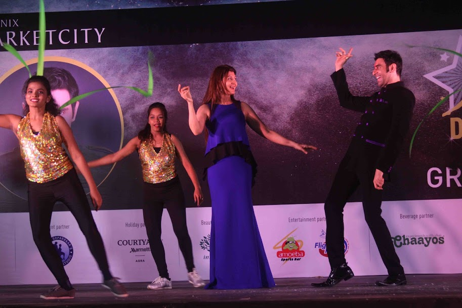 Sangeeta Bijlani dancing with Sandip Soparrkar at 4th Indian Dance Week