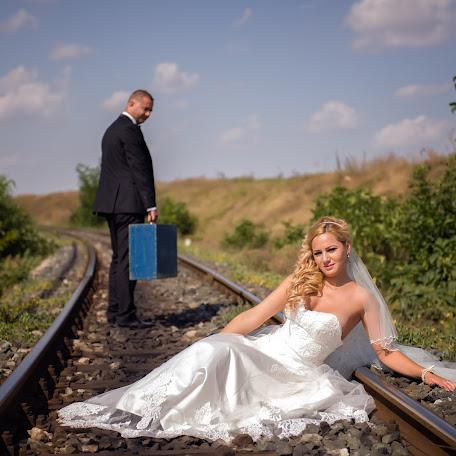 Wedding photographer Manole Balan (balan). Photo of 06.04.2015